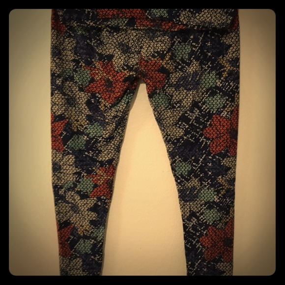 LuLaRoe Pants - Ever wanted to wear pixelated roses?